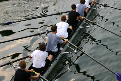 Team building autour de l'aviron.